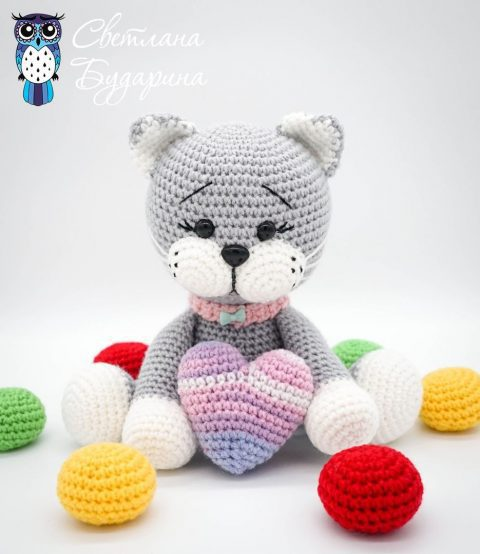 Playing Cat Amigurumi Free Crochet Pattern | 554x480