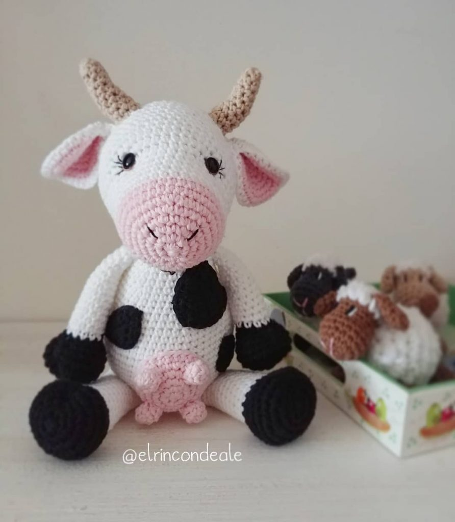 Cow Amigurumi - MooMoo Cow - Free Crochet Pattern | Craft Passion | 1024x892